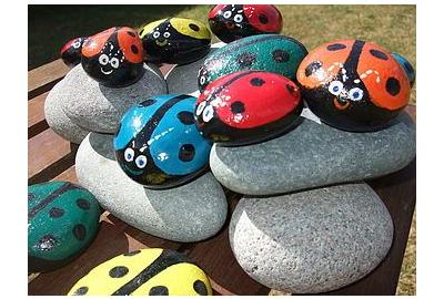 How to Paint Pebble Bugs